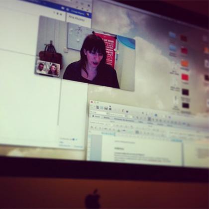 Ana Álvarez Sierra trabajando en remoto