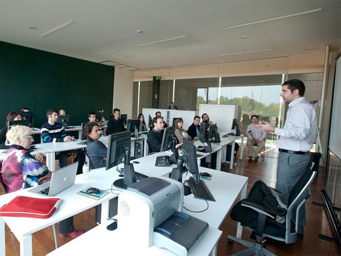 Ruymán Ferrera en el Grupo de interés de Usabilidad del SIDAR, dirigido por Yusef Hassan, durante el Congreso celebrado en Logroño en 2010