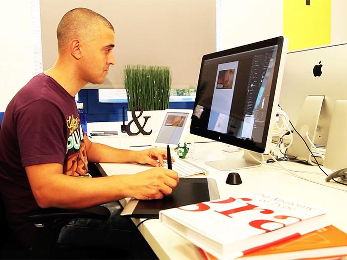 Txuma Campos trabajando en la famosa parte visual