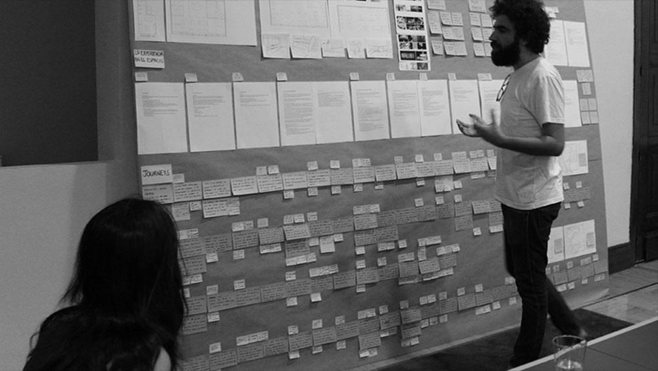 Alberto Romero trabajando para el proyecto de L'Oréal Paris