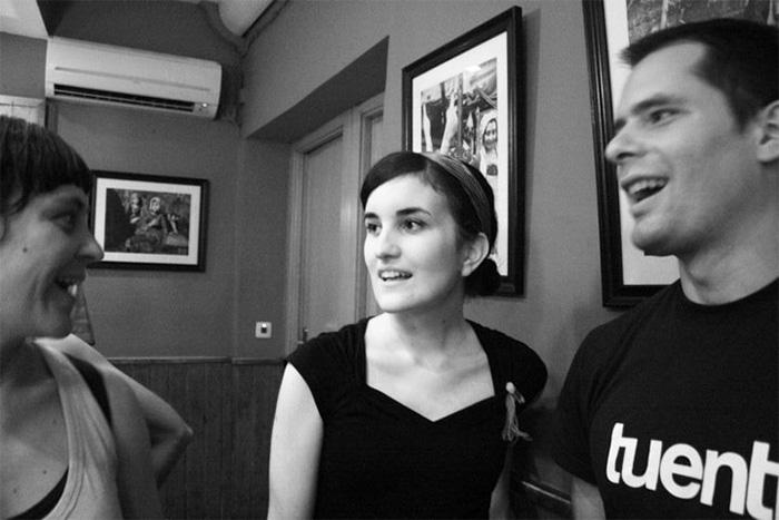 María Munuera con Ludita y Mark MacKay