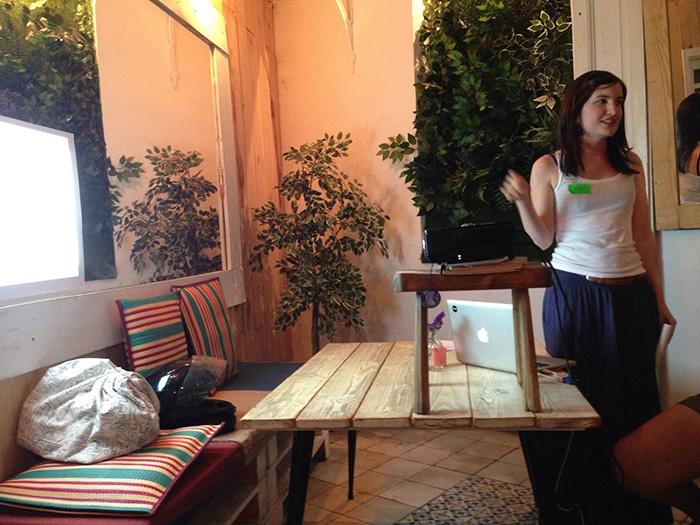 María Munuera hablando en el Ladies that UX